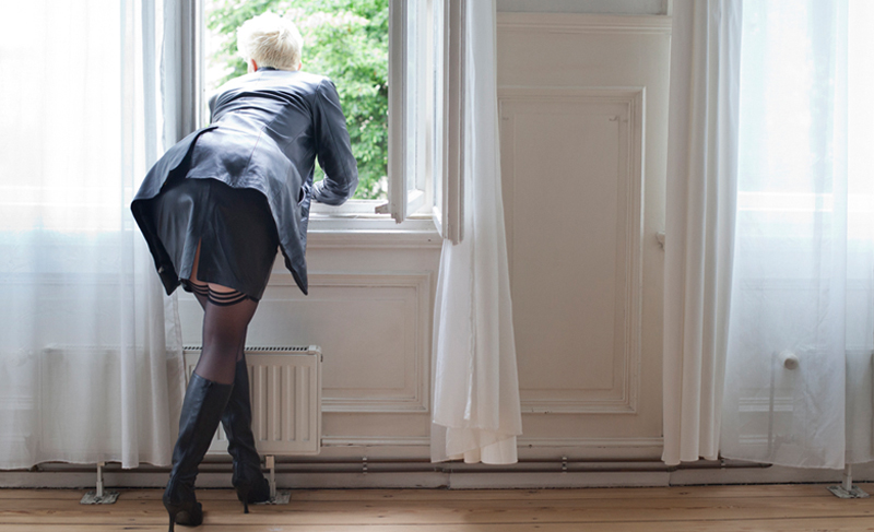 Golden Shower in deutschen Schlafzimmern